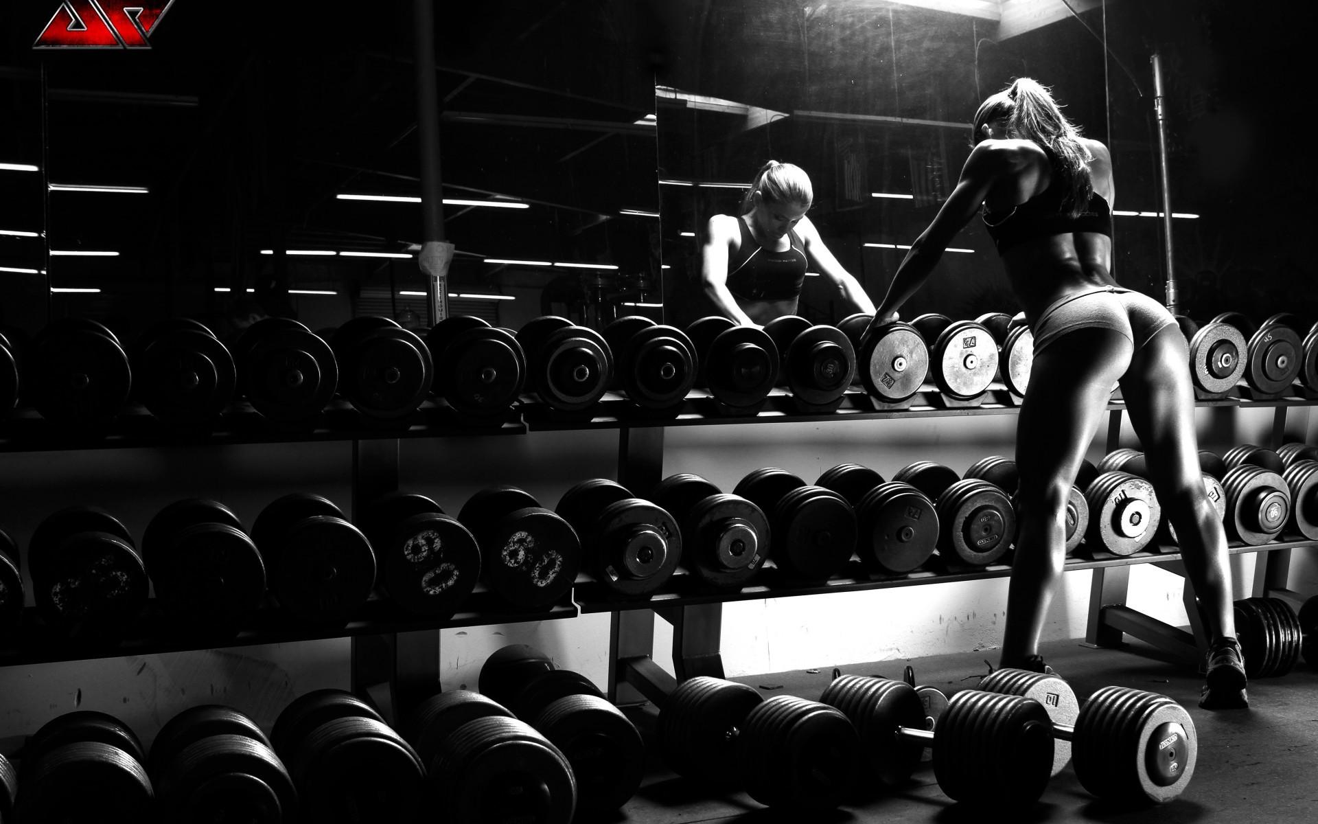 Ảnh gym trắng đen đẹp