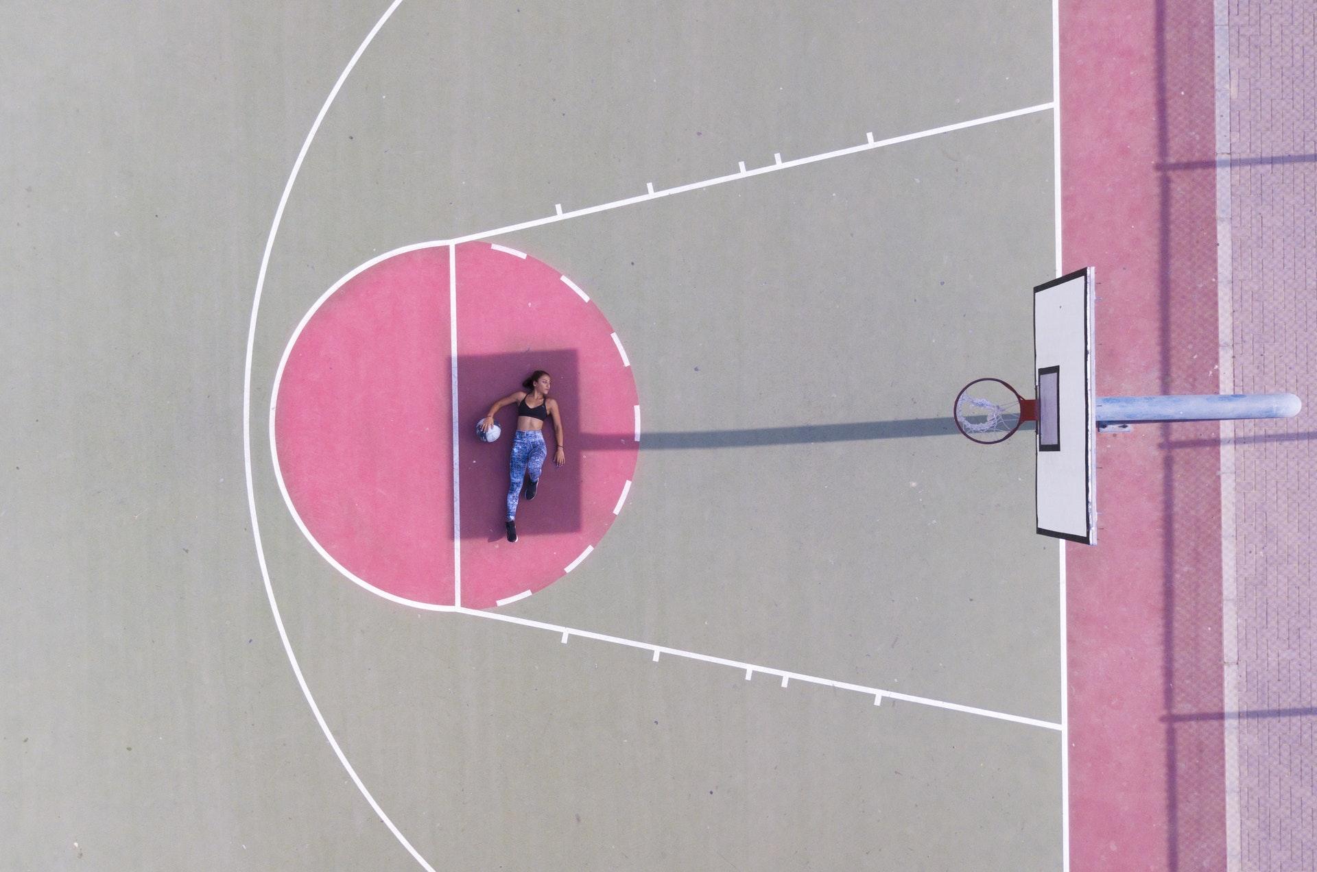 Ảnh cột bóng rổ nghệ thuật