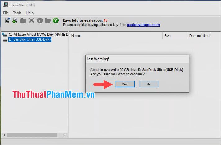 Click vào Yes để đồng ý với thông báo về việc các dữ liệu trên USB bị xóa