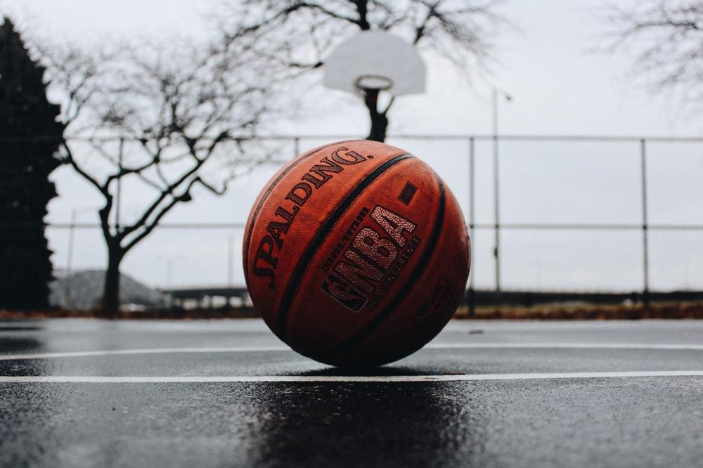 Hình ảnh rổ bóng rổ chiều chạng vạng
