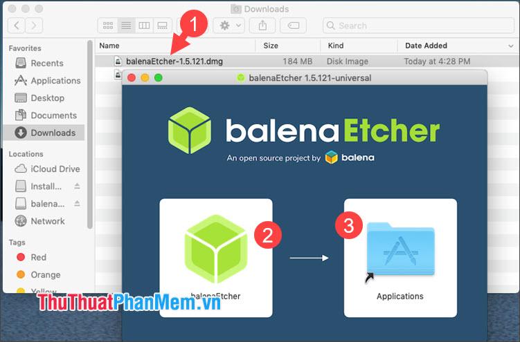 Kéo & thả biểu tượng balenaEtcher sang mục Application để cài đặt