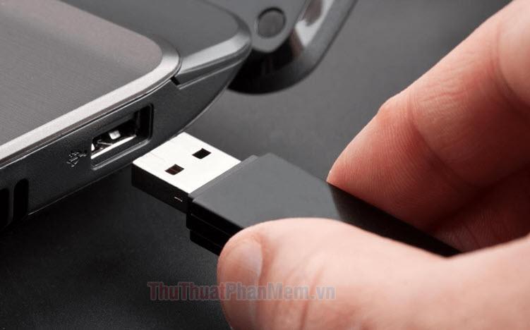 6 cách ngắt USB an toàn trên Windows