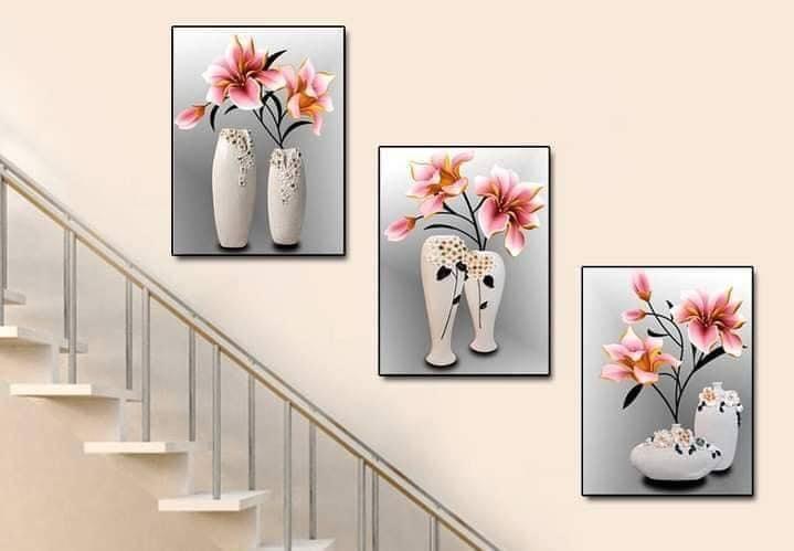 Mẫu tranh khổ đứng treo tường cầu thang