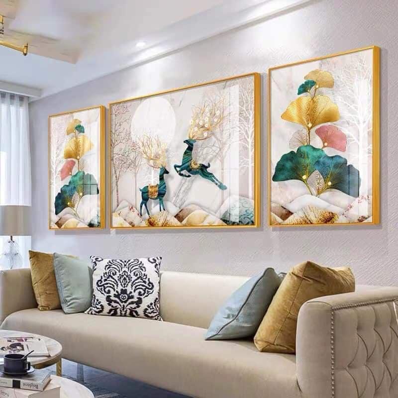 Mẫu tranh khổ đứng treo tường phòng khách