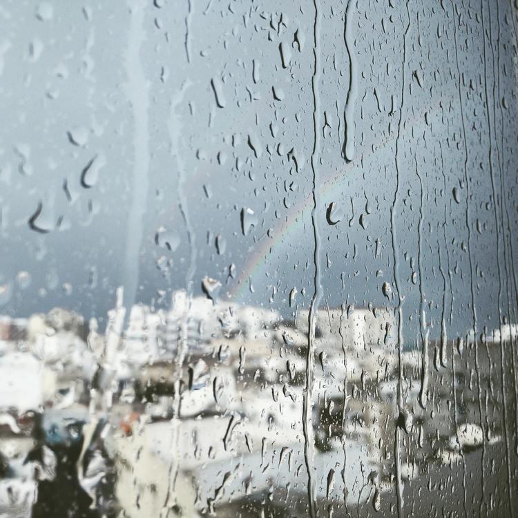Background mưa và cầu vồng