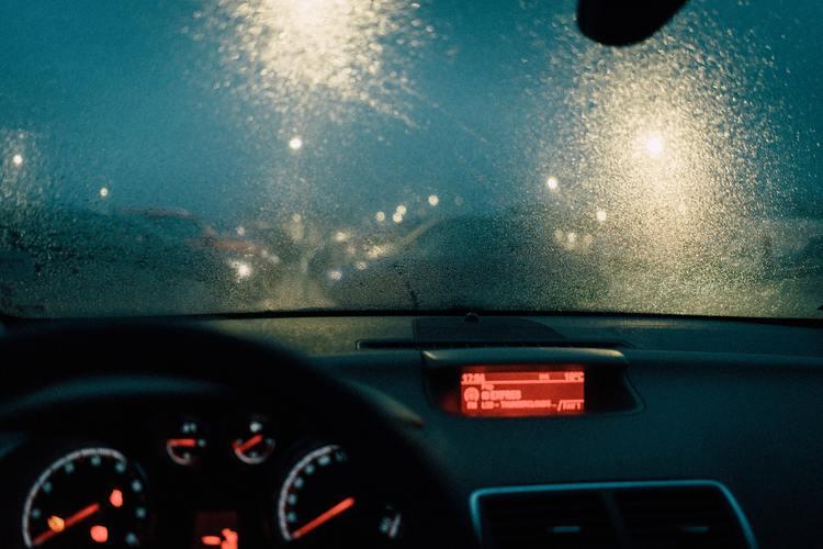 Background trời mưa buồn cực đẹp