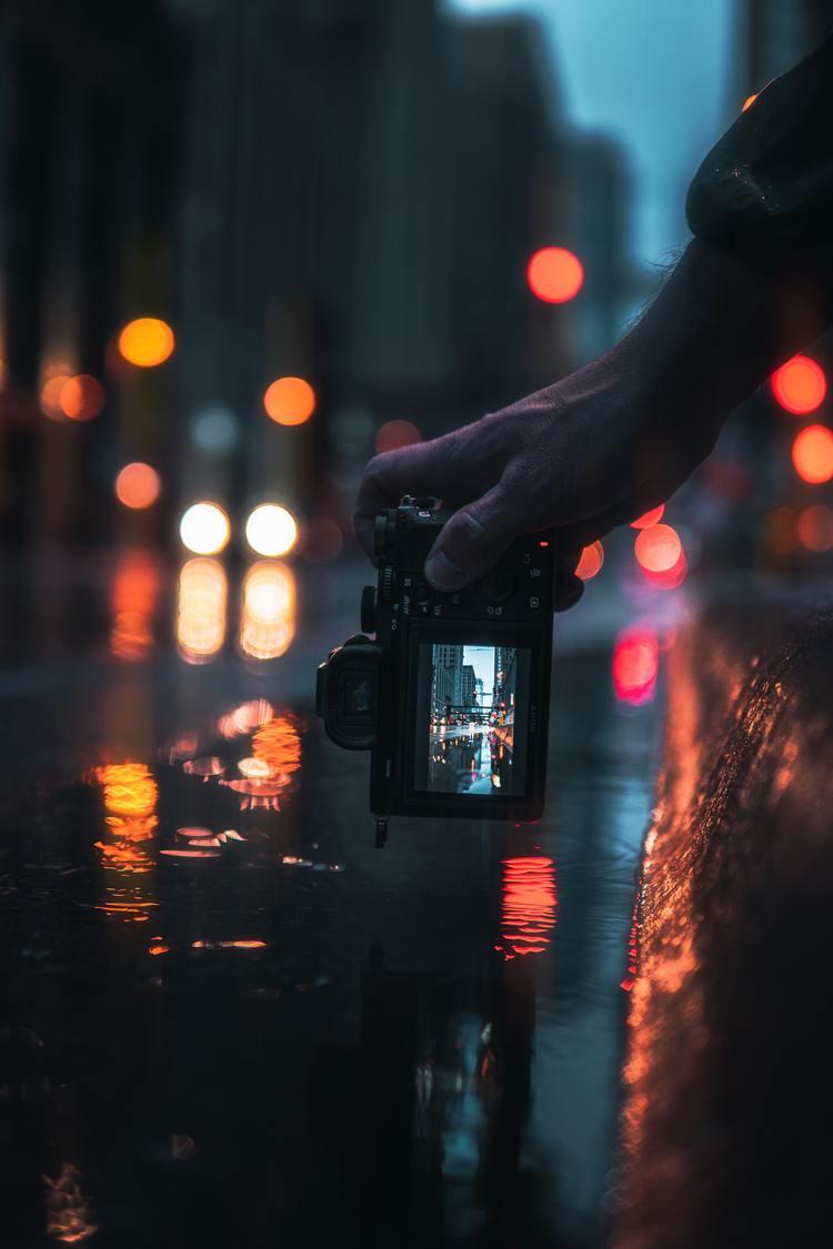 Background trời mưa và đèn đường
