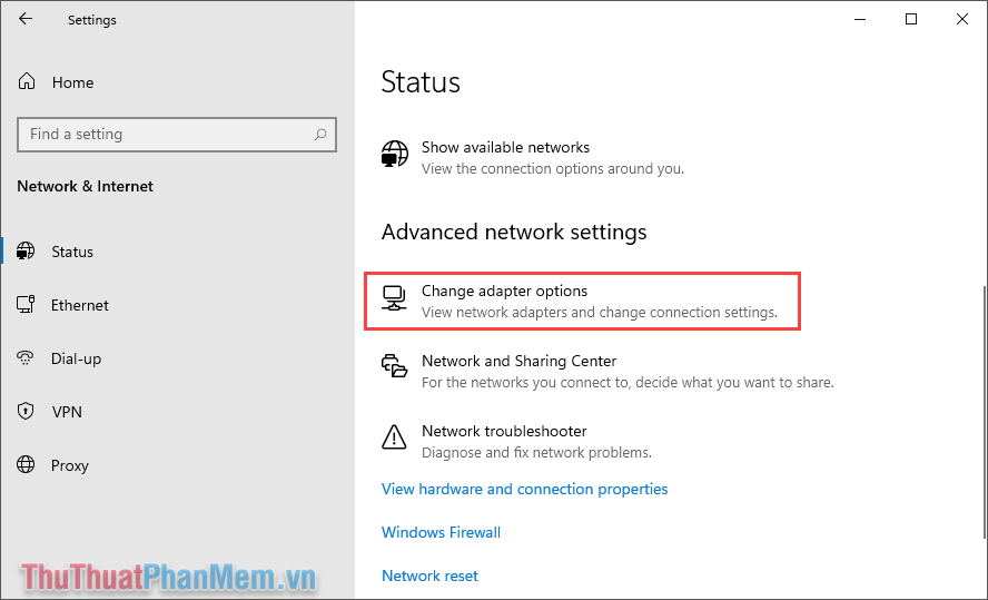 Chọn mục Change adapter options để xem các thiết lập mạng đang kết nối