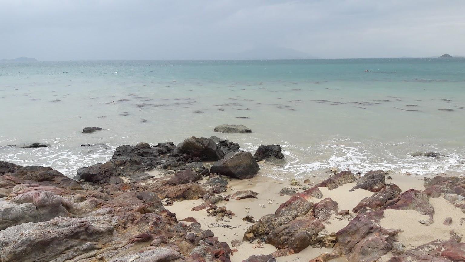 Hình ảnh bãi đá đảo Điệp Sơn