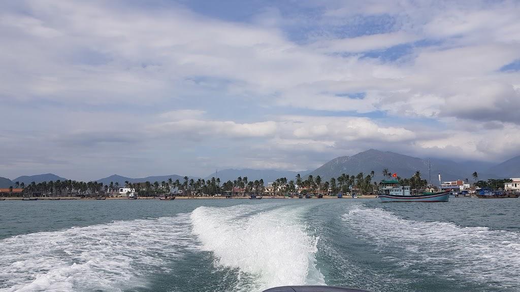 Hình ảnh đảo Điệp Sơn nhìn từ xa