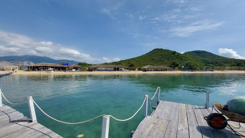 Hình ảnh khu nghỉ dưỡng ở đảo Điệp Sơn